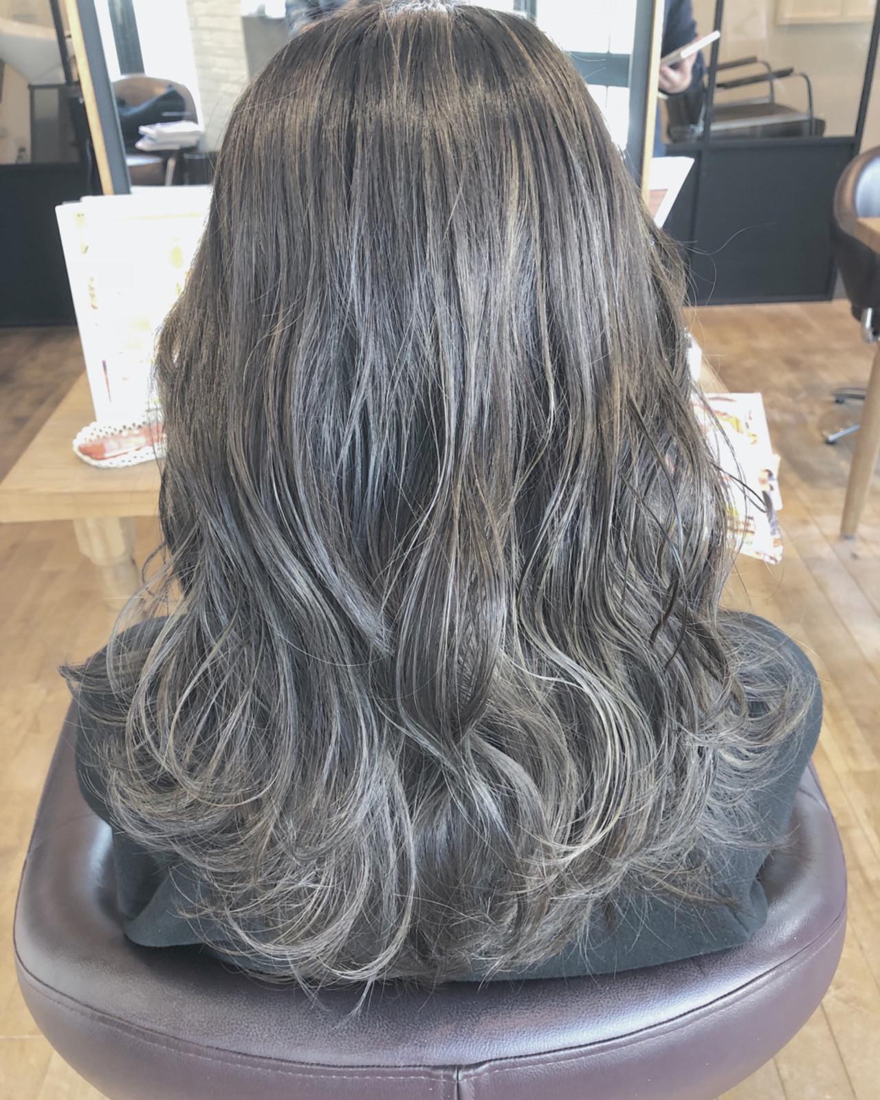 ハイライト 上品 エレガント 暗髪 ヘアスタイルや髪型の写真・画像