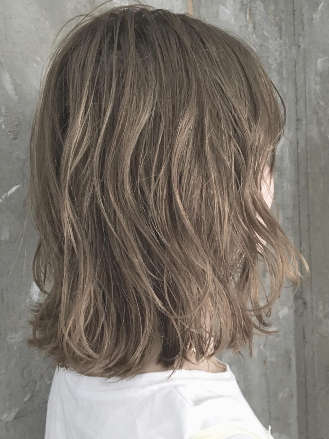 外ハネ 透明感 ナチュラル ハイライト ヘアスタイルや髪型の写真・画像 | TAKE / AUBE hair KAI