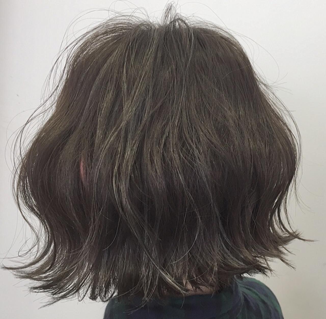 ボブ 切りっぱなし ハイライト ナチュラル ヘアスタイルや髪型の写真・画像