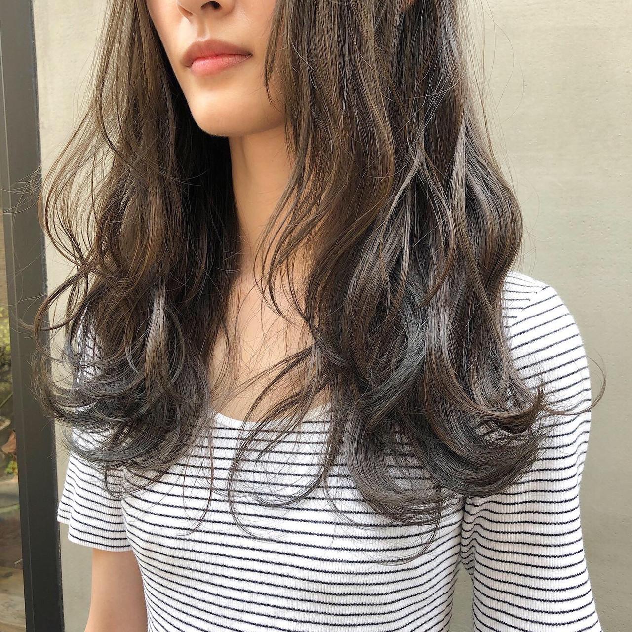 くすみカラー 透明感 透明感カラー 暗髪 ヘアスタイルや髪型の写真・画像 | 冨永 真太郎 / 人トナリ