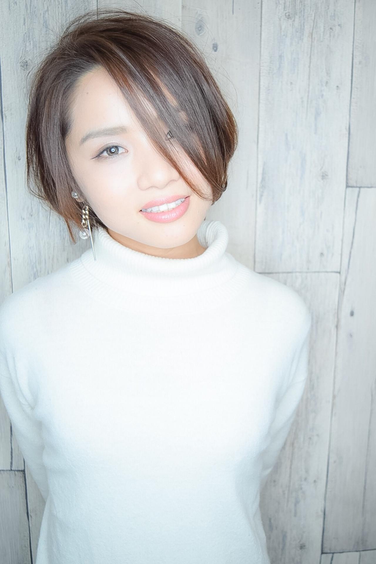 小顔ショート ショート フェミニン 黒髪 ヘアスタイルや髪型の写真・画像