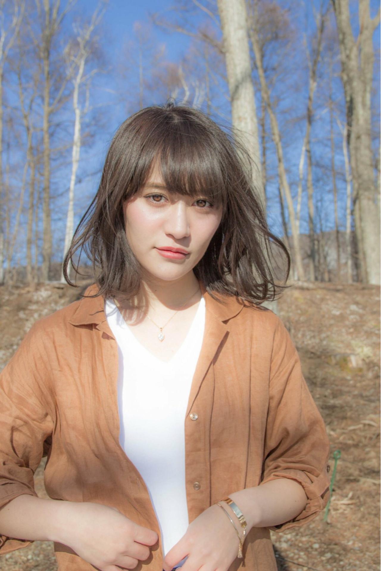 ミディアム 大人かわいい アンニュイ リラックス ヘアスタイルや髪型の写真・画像