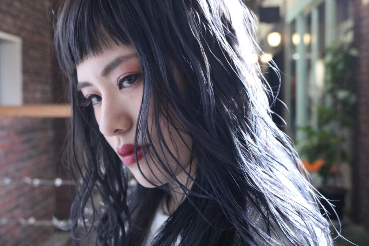 アッシュグレー セミロング ストリート ブルージュ ヘアスタイルや髪型の写真・画像