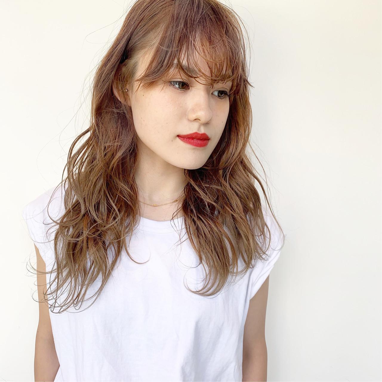 簡単ヘアアレンジ ロング ナチュラル ヌーディベージュ ヘアスタイルや髪型の写真・画像