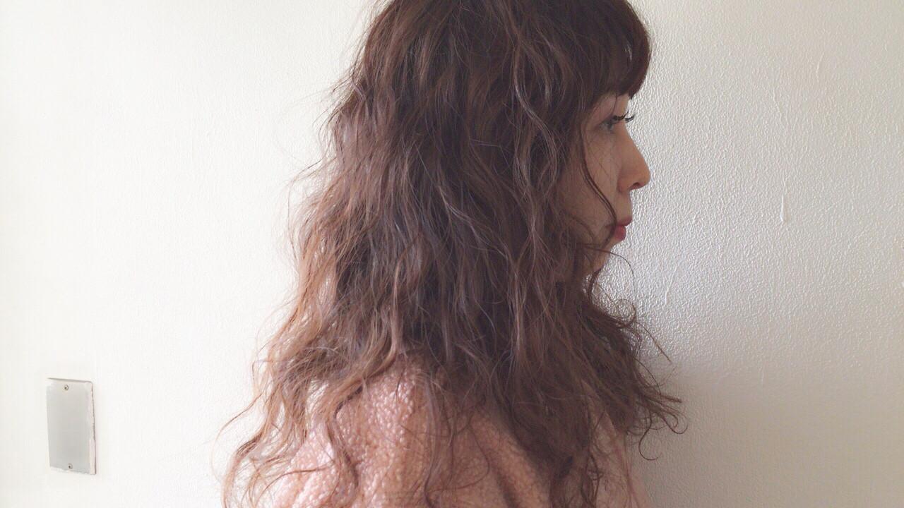 ナチュラル ヘアアレンジ 抜け感 スパイラルパーマ ヘアスタイルや髪型の写真・画像 | Taniguchi Yukiko / IRODORI hair design