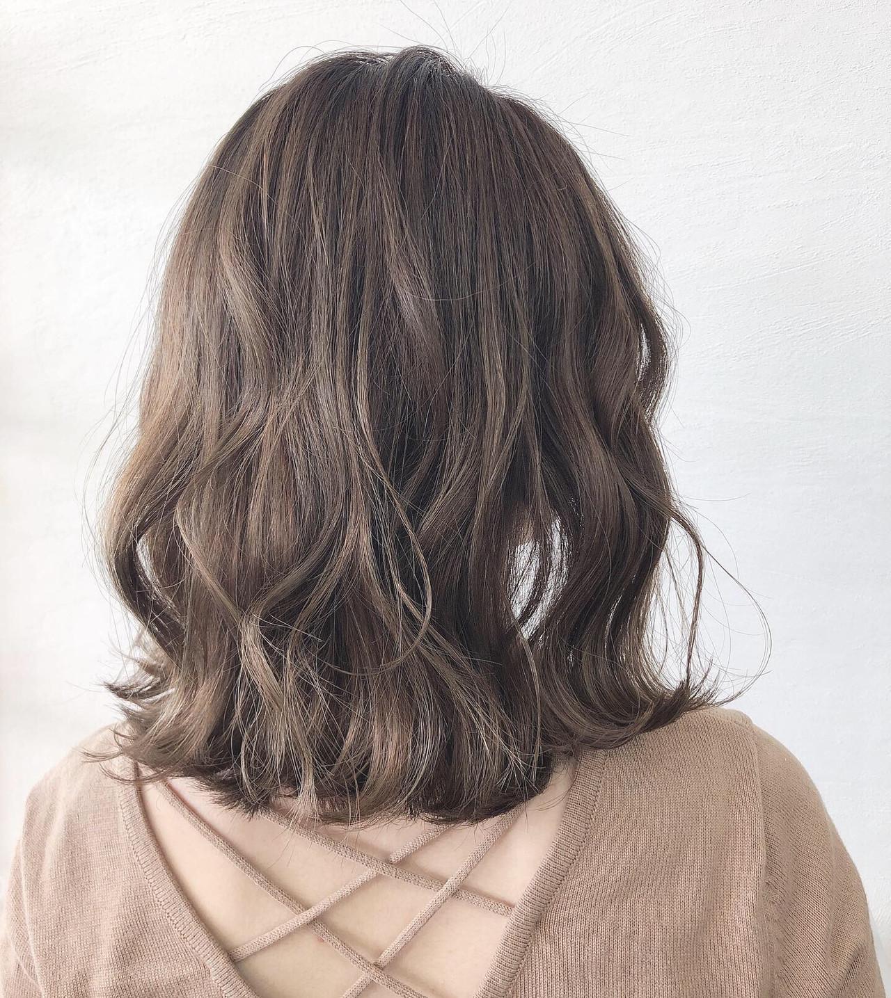 オリーブベージュ オリーブアッシュ ナチュラル オリーブカラー ヘアスタイルや髪型の写真・画像 | Akane Ueda / Chillin Room