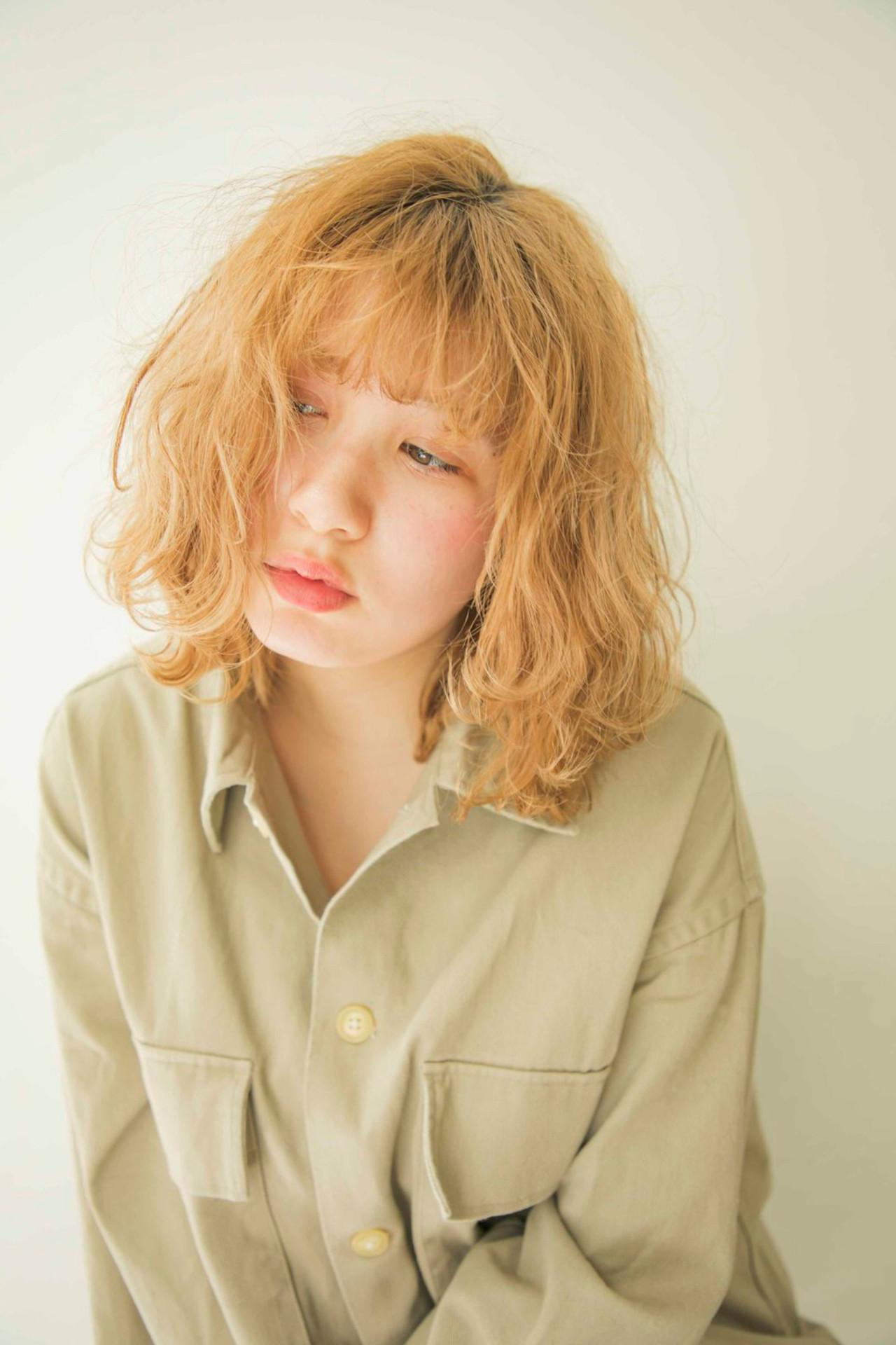 外国人風カラー ブロンドカラー ミディアム ナチュラル ヘアスタイルや髪型の写真・画像