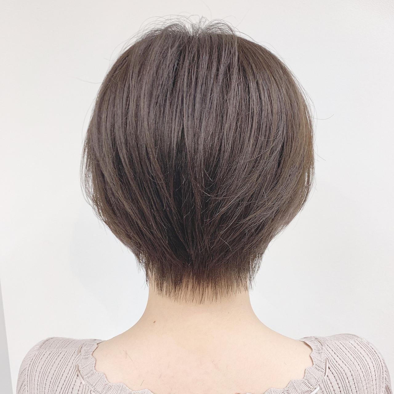 ナチュラル パーマ オフィス ショート ヘアスタイルや髪型の写真・画像 | 阿比留 奨太 【sand】 / sand omotesando