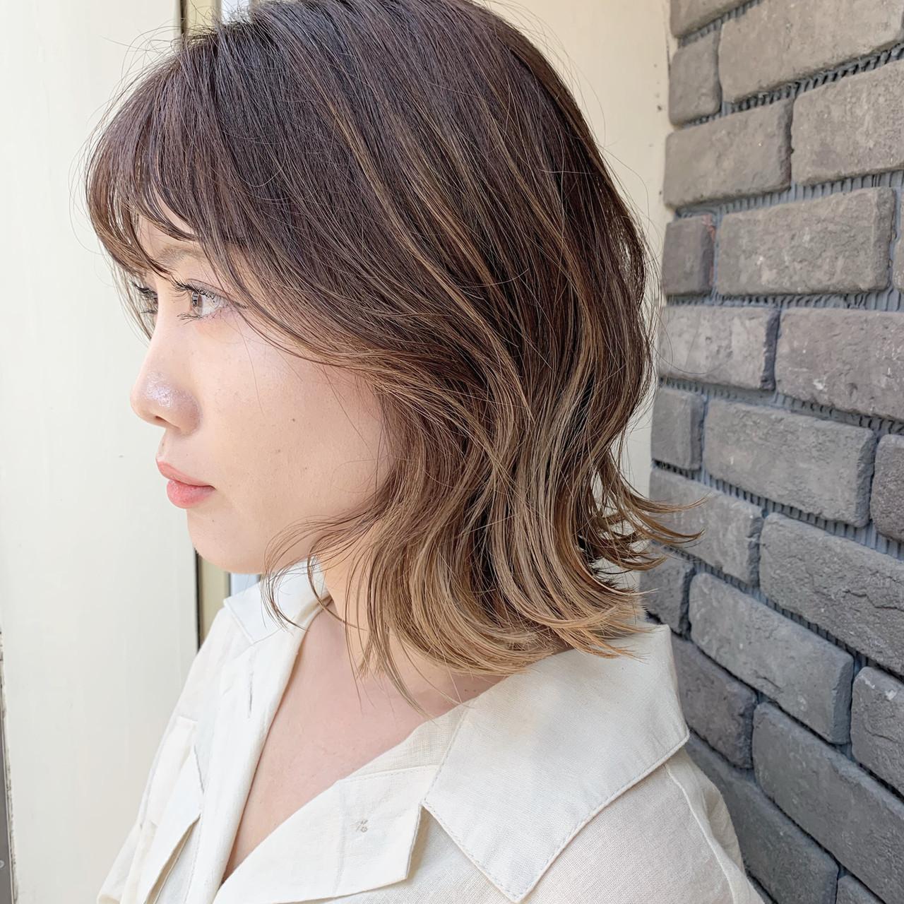フェミニン グラデーションカラー 外国人風カラー ベージュ ヘアスタイルや髪型の写真・画像