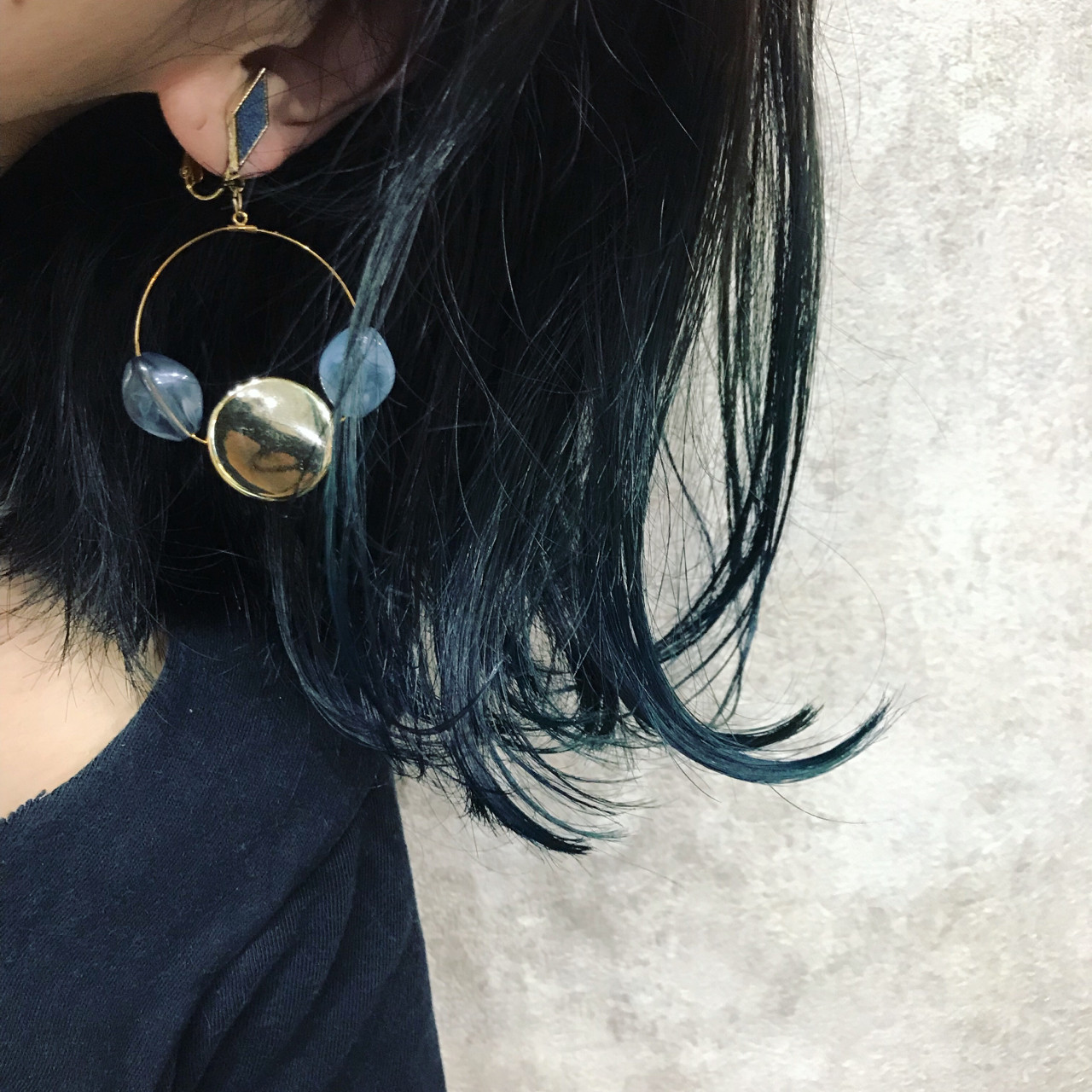 外ハネ 外国人風 インナーカラー ブルー ヘアスタイルや髪型の写真・画像