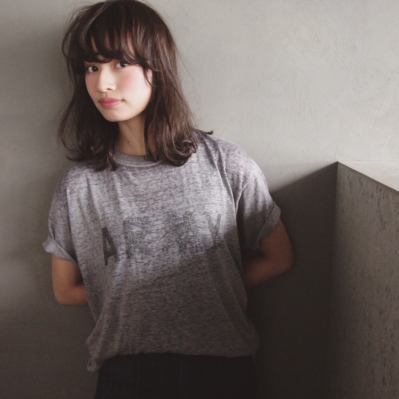 大人かわいい パーマ ミディアム 暗髪 ヘアスタイルや髪型の写真・画像
