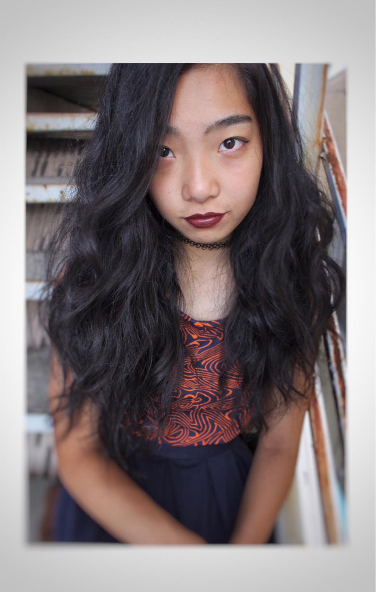 ゆるふわ くせ毛風 ロング 黒髪 ヘアスタイルや髪型の写真・画像