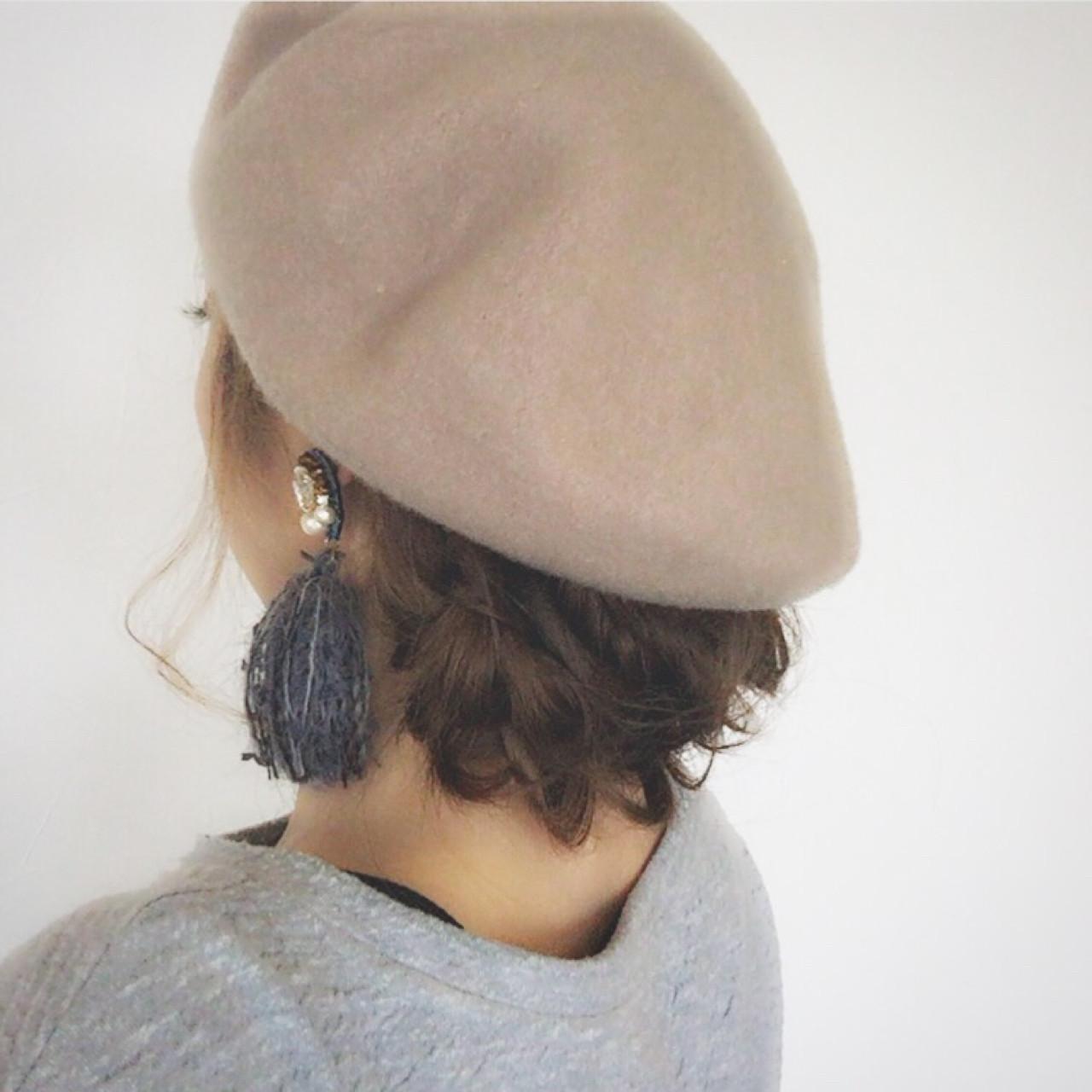 フィッシュボーン ロング ヘアアレンジ ベレー帽 ヘアスタイルや髪型の写真・画像