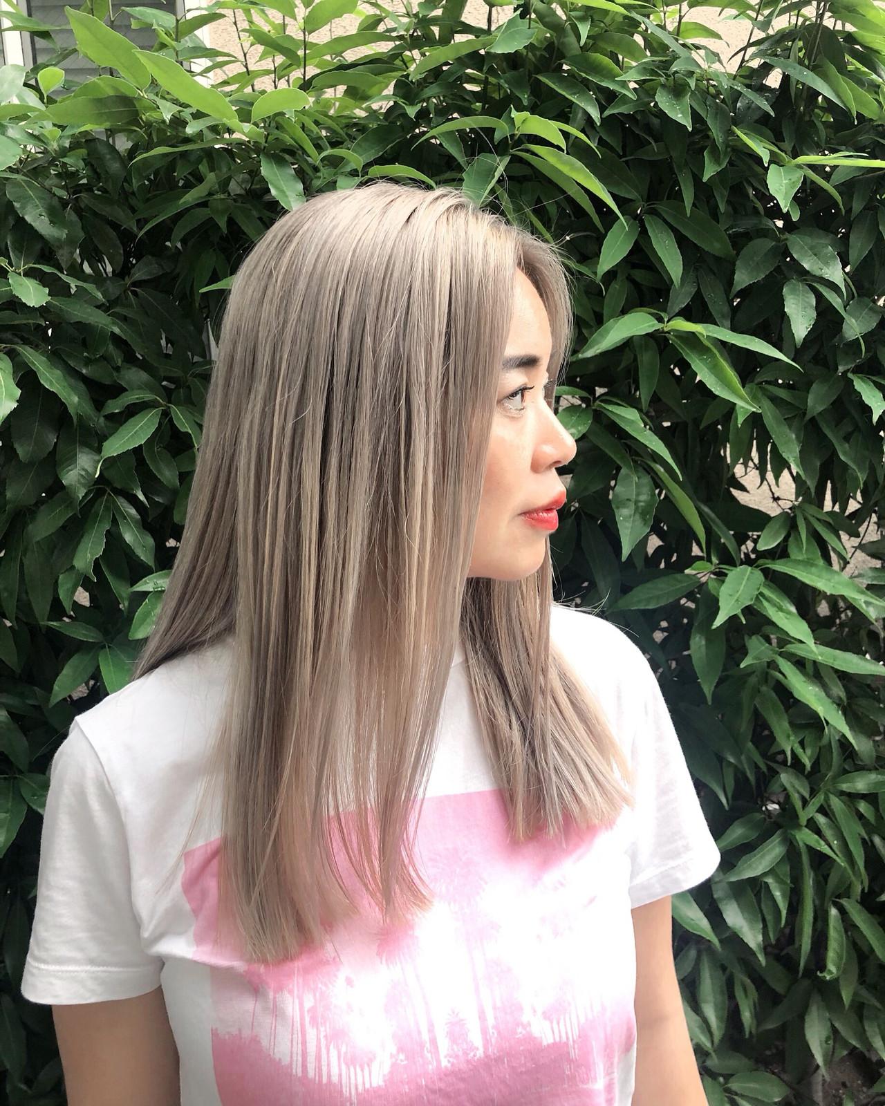 ロング グラデーションカラー バレイヤージュ ナチュラル ヘアスタイルや髪型の写真・画像