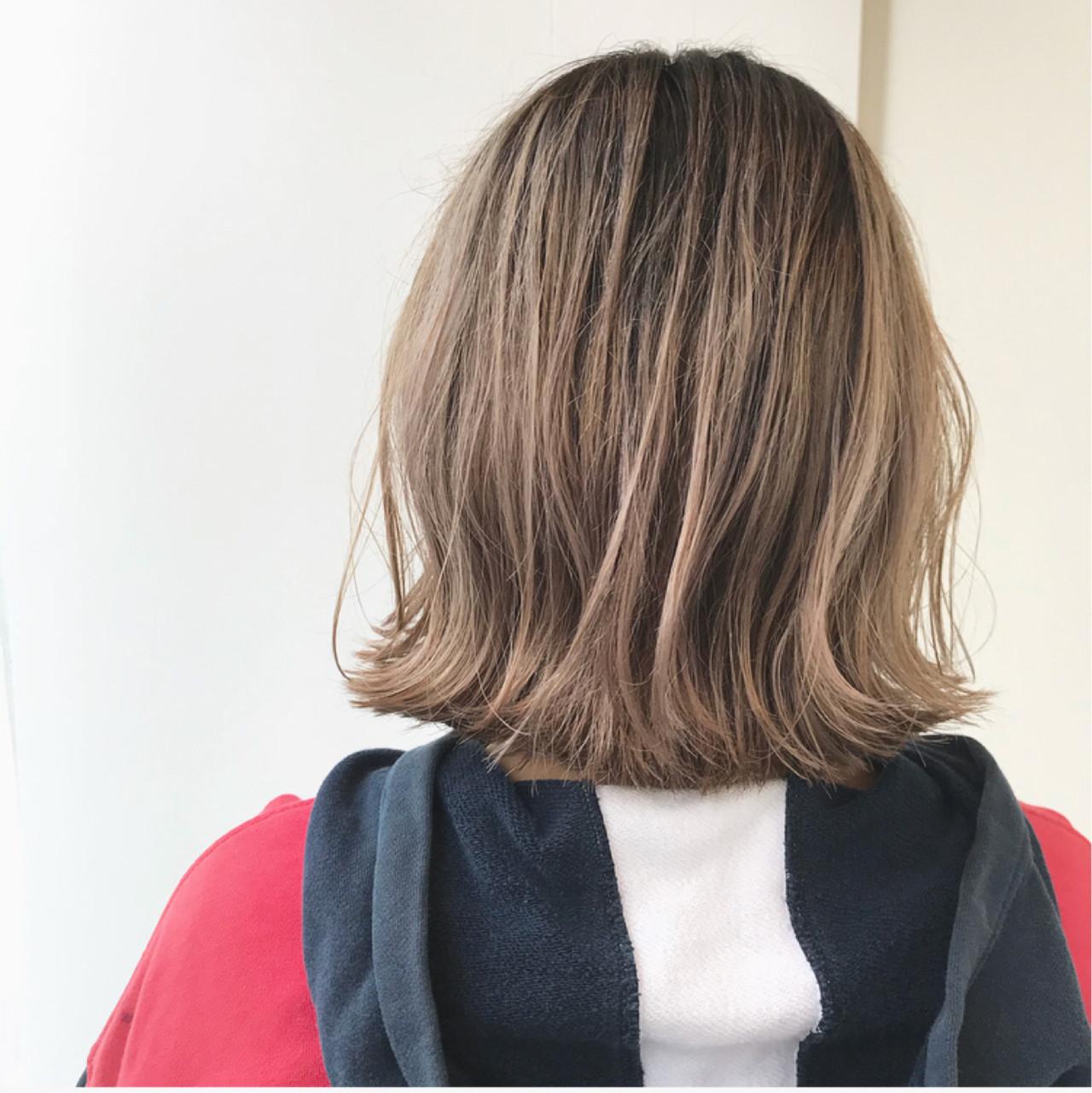 ハイライト ガーリー 外ハネ ショート ヘアスタイルや髪型の写真・画像