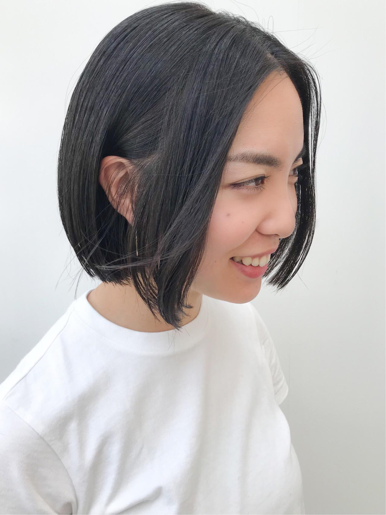 切りっぱなしボブ コンサバ アウトドア 黒髪 ヘアスタイルや髪型の写真・画像