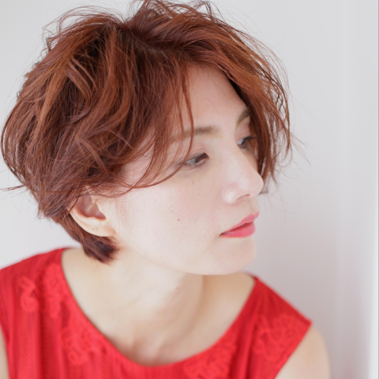 カッパー ショートヘア ショート ウェーブ ヘアスタイルや髪型の写真・画像