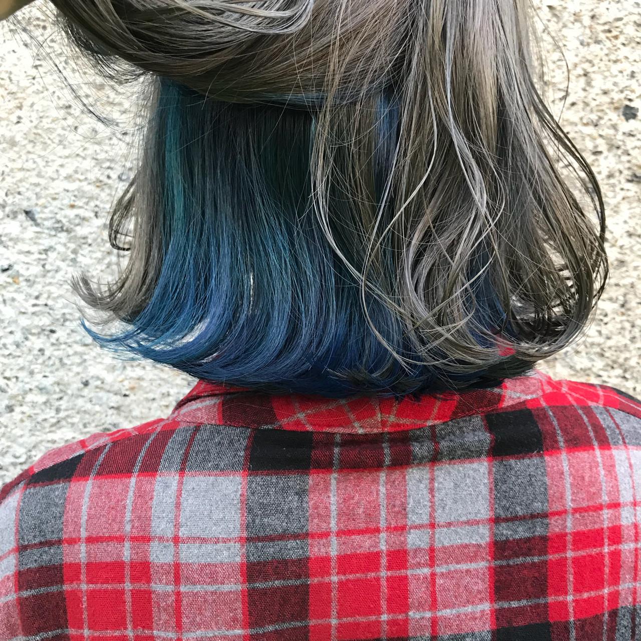 ロブ インナーカラー ミディアム グレージュ ヘアスタイルや髪型の写真・画像
