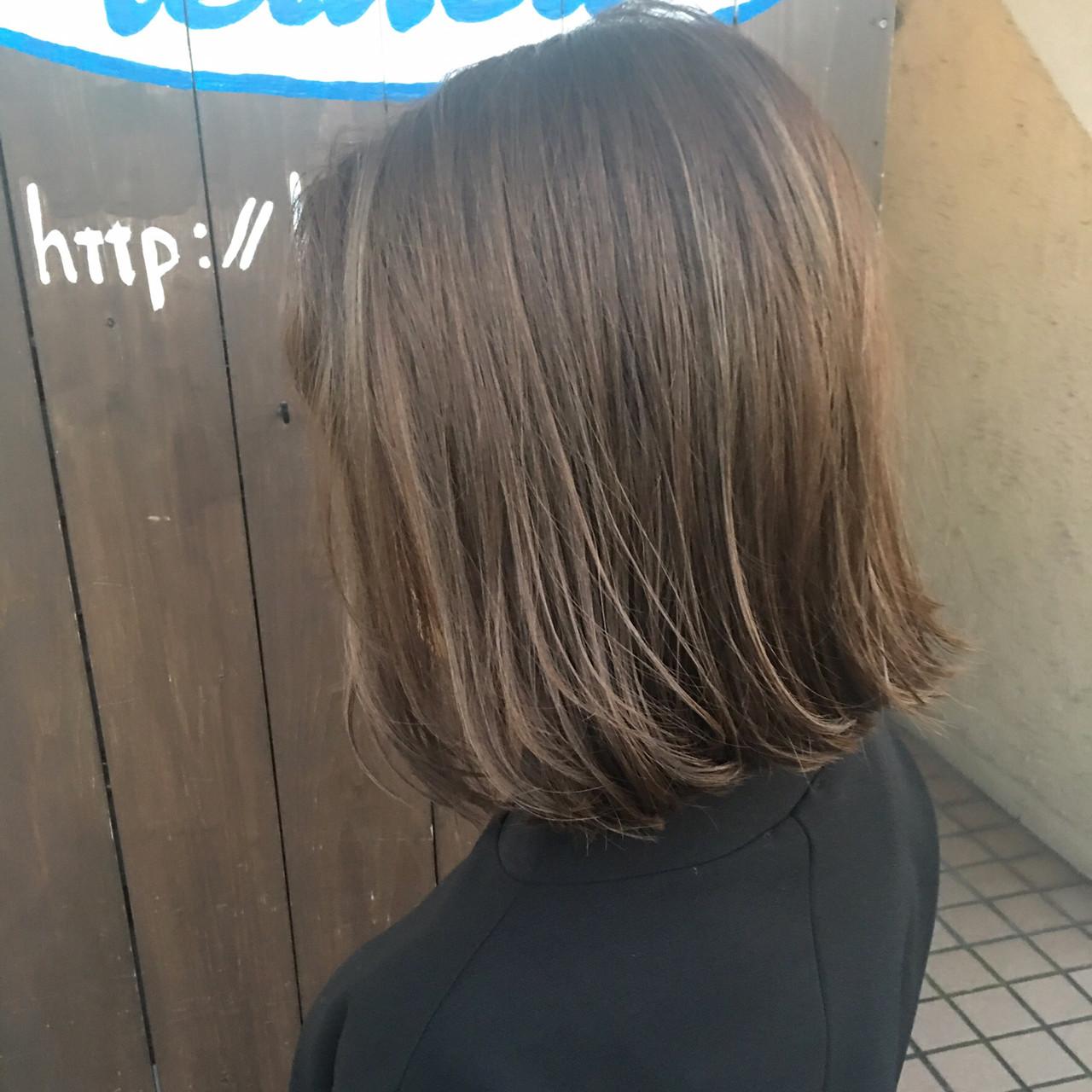 ボブ 地毛風カラー 切りっぱなしボブ フェミニン ヘアスタイルや髪型の写真・画像