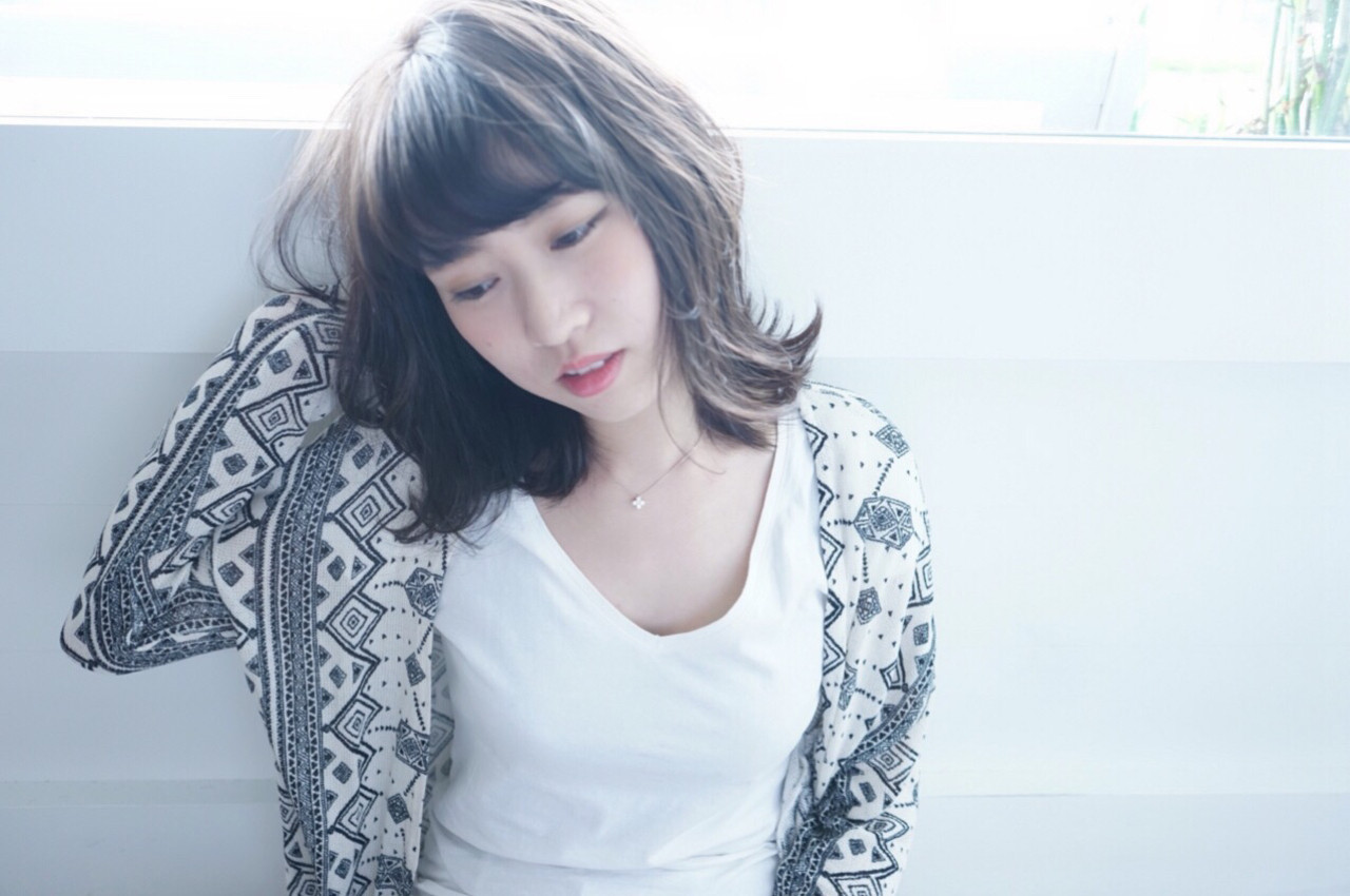 おフェロ 暗髪 アッシュグレージュ 外ハネ ヘアスタイルや髪型の写真・画像 | mayuko /
