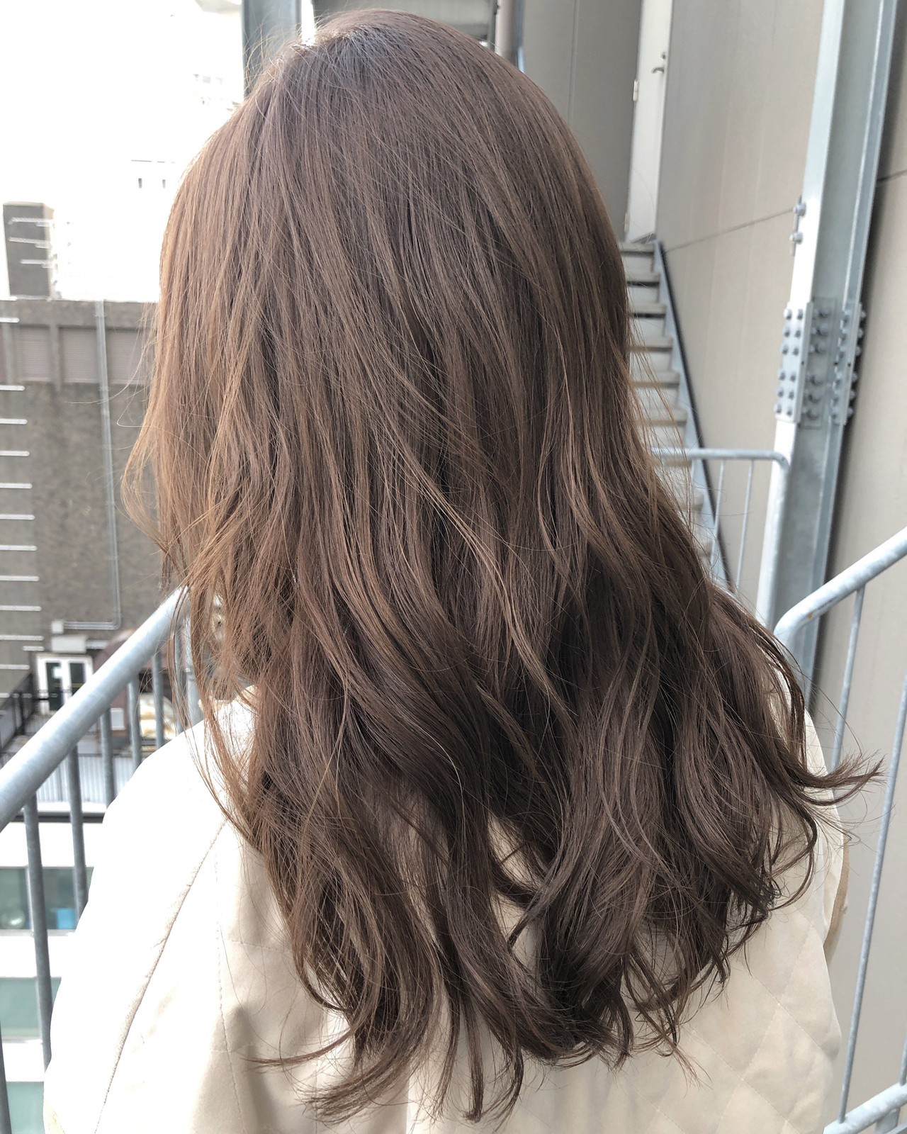 ミルクティーベージュ デート ナチュラル セミロング ヘアスタイルや髪型の写真・画像 | 坂本圭太朗 / bado