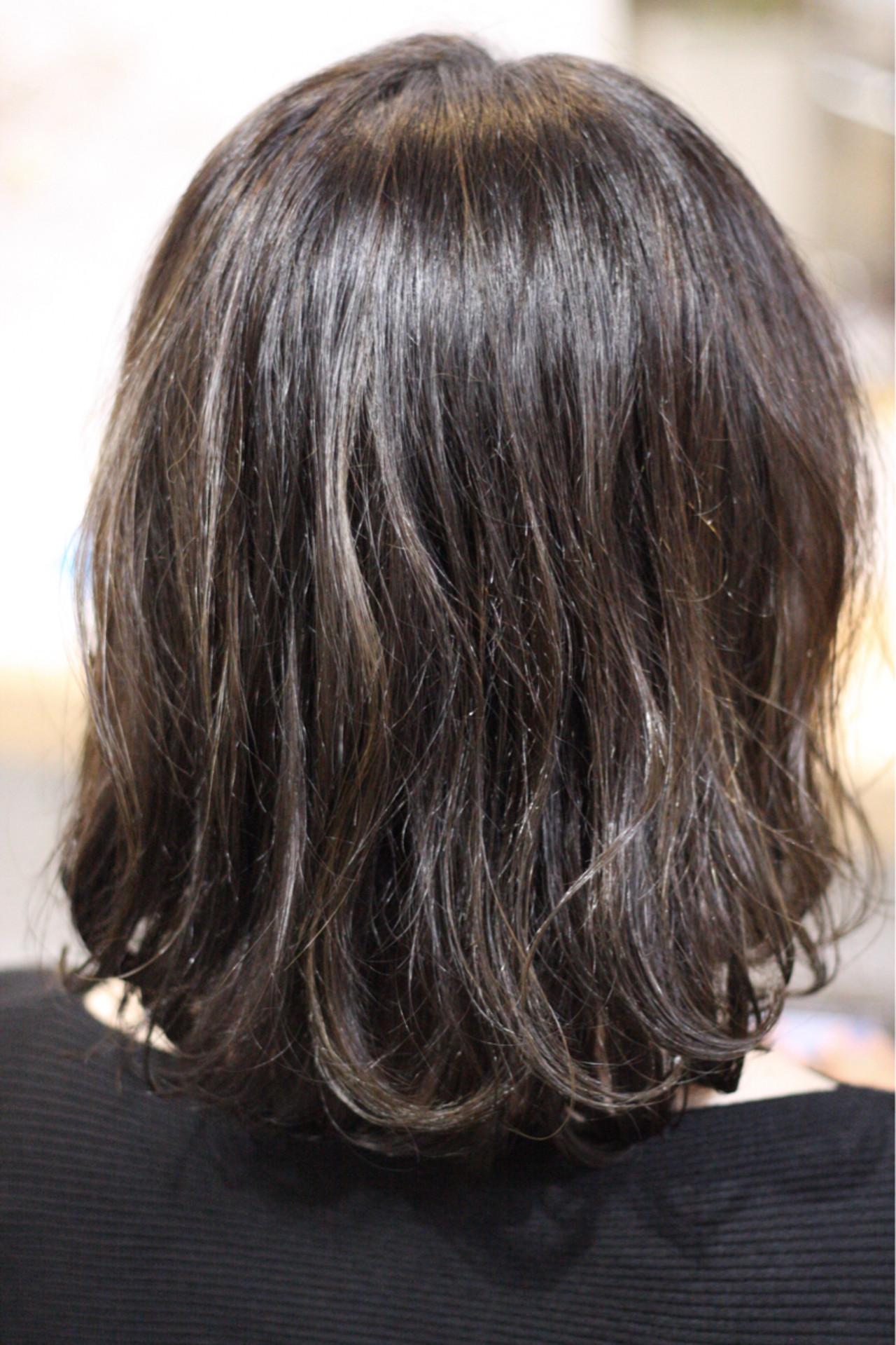 外国人風 ハイライト ゆるふわ ウェーブ ヘアスタイルや髪型の写真・画像   fuzita / lifunny