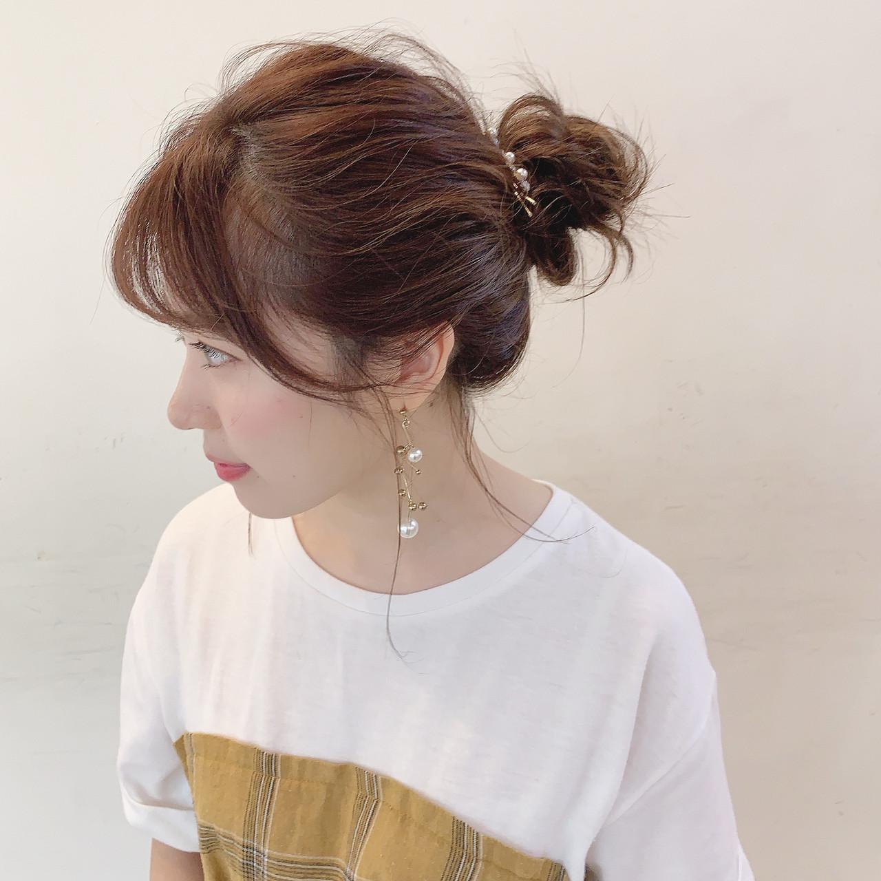 セルフヘアアレンジ ミディアム ナチュラル お団子ヘア ヘアスタイルや髪型の写真・画像