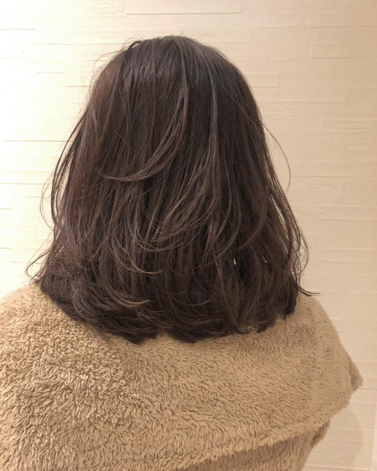 ピンクアッシュ レイヤーボブ ピンクベージュ ラベンダーピンク ヘアスタイルや髪型の写真・画像