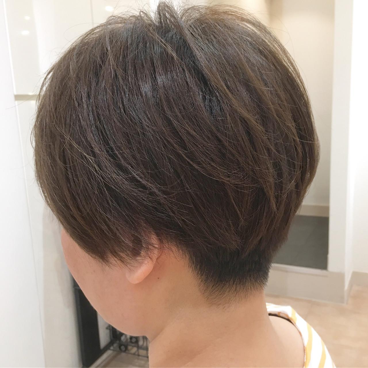 イルミナカラー グレーアッシュ アッシュグレー ショート ヘアスタイルや髪型の写真・画像