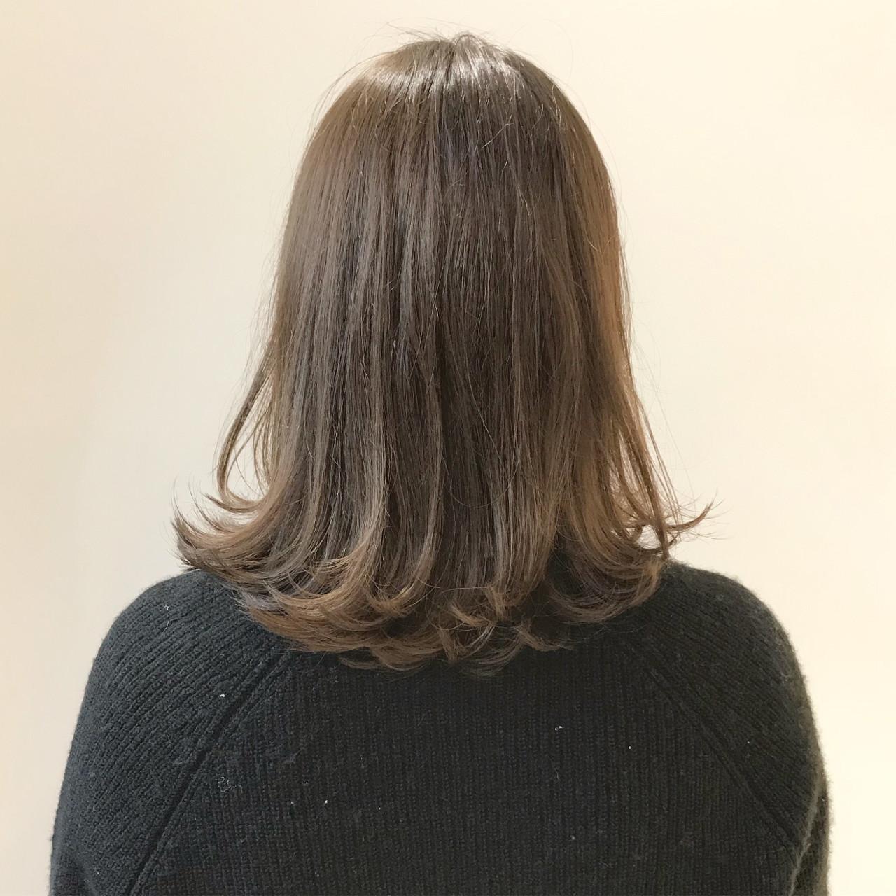 ベージュ ロブ ミディアム ナチュラル ヘアスタイルや髪型の写真・画像