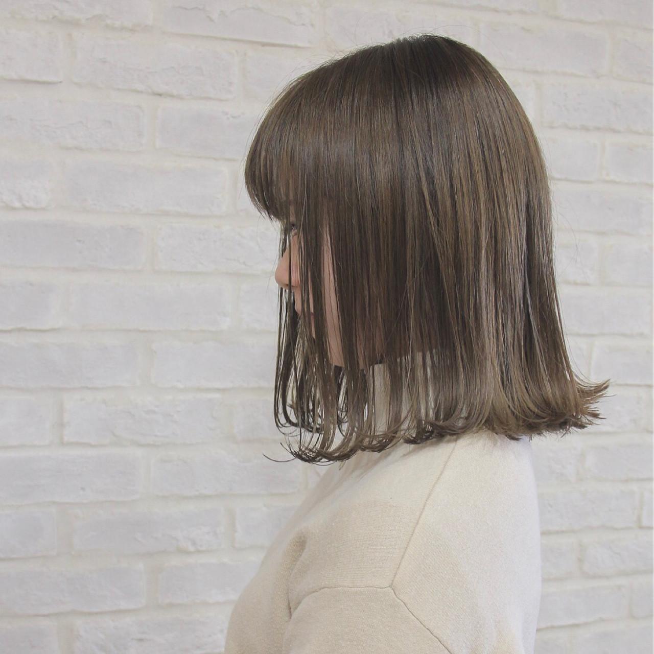 マット グレージュ 外ハネ ボブ ヘアスタイルや髪型の写真・画像 | 山本尚也 / Libett(リベット)