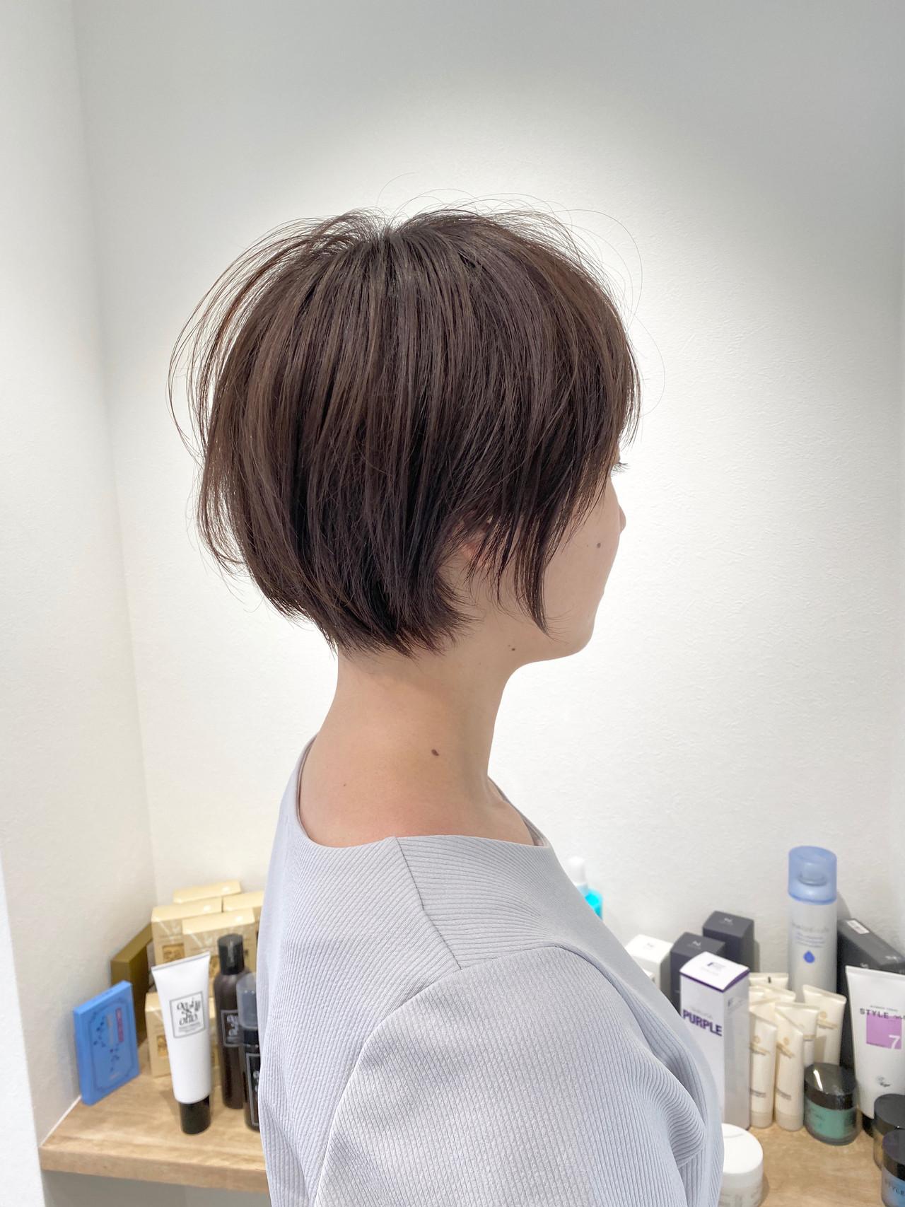 ショート 切りっぱなしボブ ショートヘア ナチュラル ヘアスタイルや髪型の写真・画像   金子ひろゆき / sola