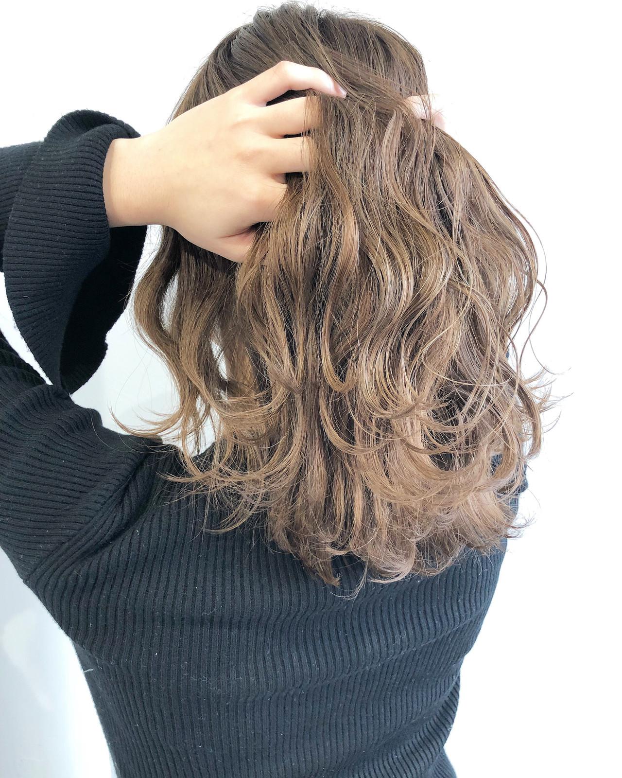 ナチュラル ミルクティーベージュ 外国人風カラー 簡単ヘアアレンジ ヘアスタイルや髪型の写真・画像 | 市川 廉也 / BEIGE Plus