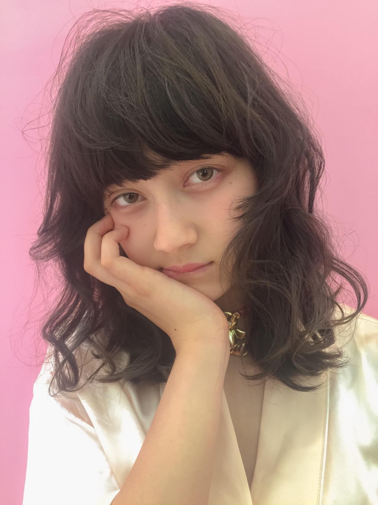 ミディアム ガーリー 外国人風 アッシュ ヘアスタイルや髪型の写真・画像