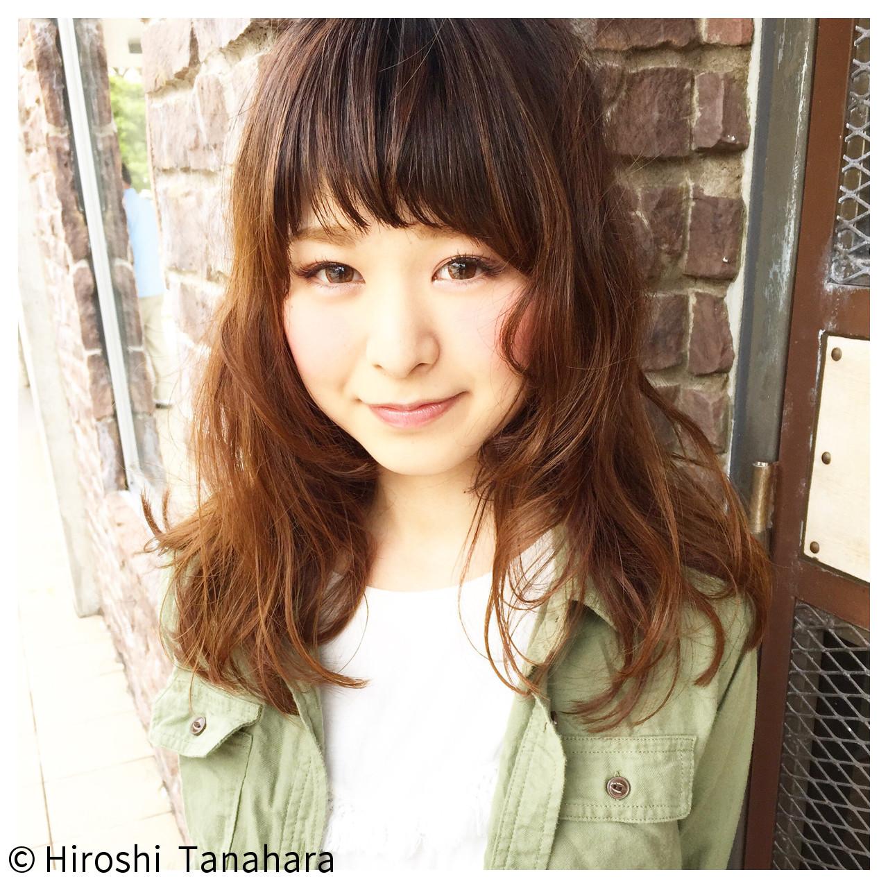 セミロング 色気 アッシュ ウルフカット ヘアスタイルや髪型の写真・画像 | Hiroshi Tanahara / cacette