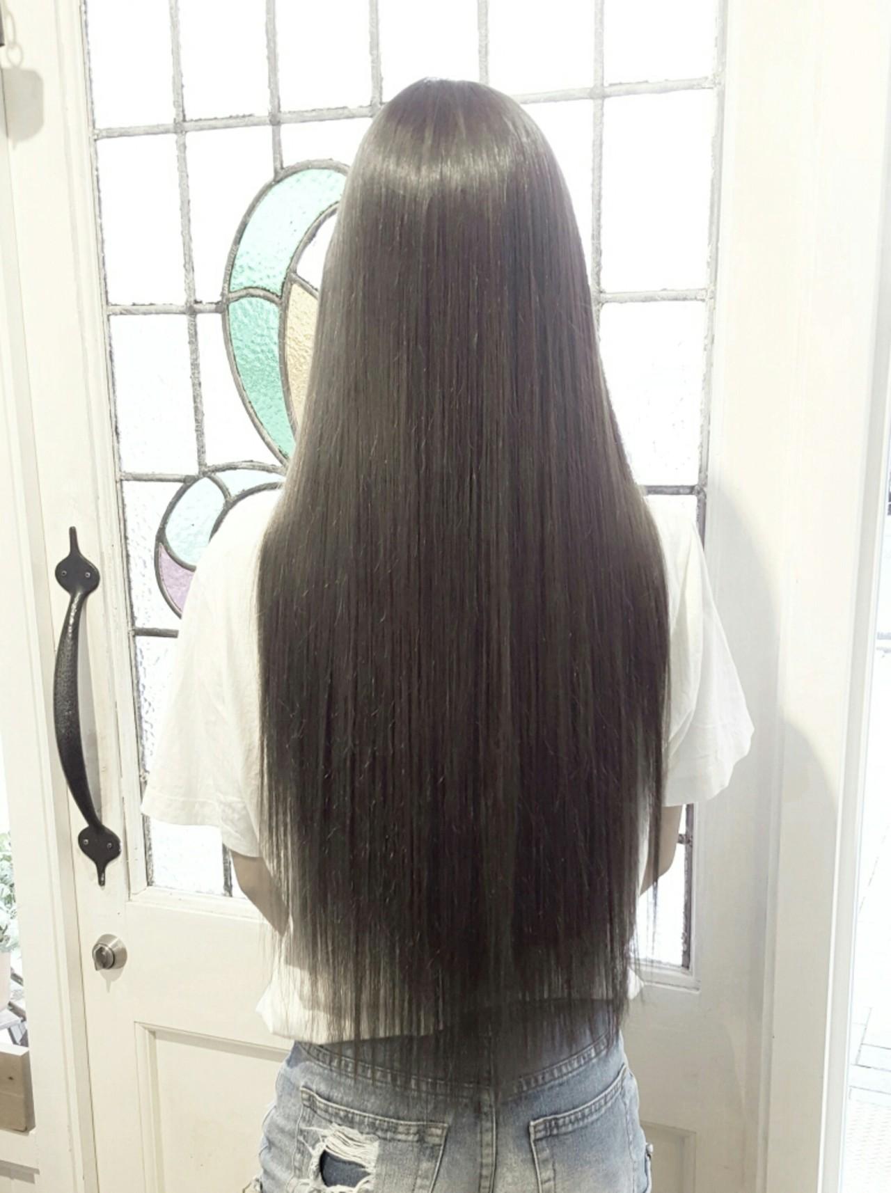 グラデーションカラー ナチュラル アッシュ ストレート ヘアスタイルや髪型の写真・画像 | Kazuhiro Taka / Rogue hair kanamachi