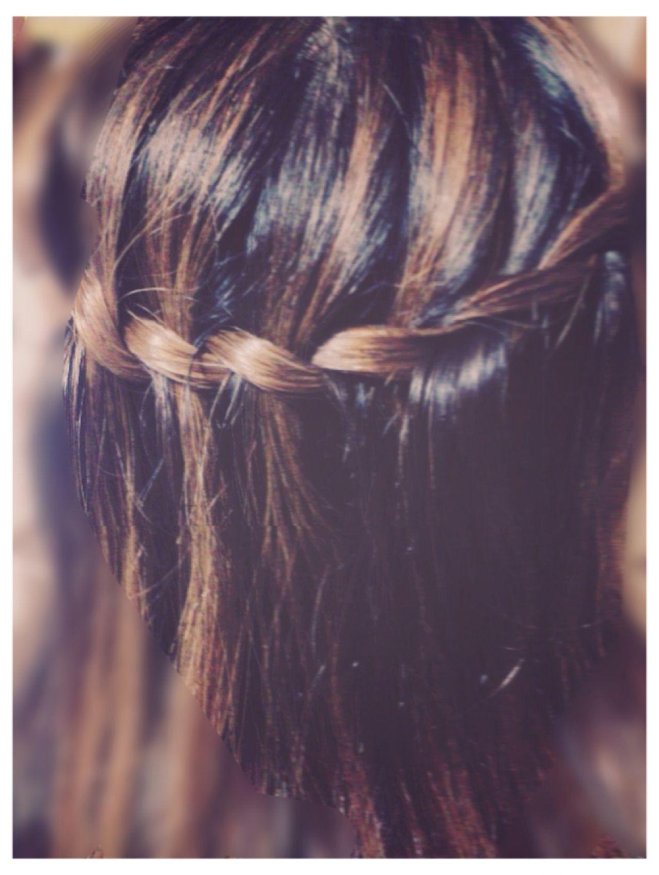 ヘアアレンジ セミロング 大人かわいい ウォーターフォール ヘアスタイルや髪型の写真・画像