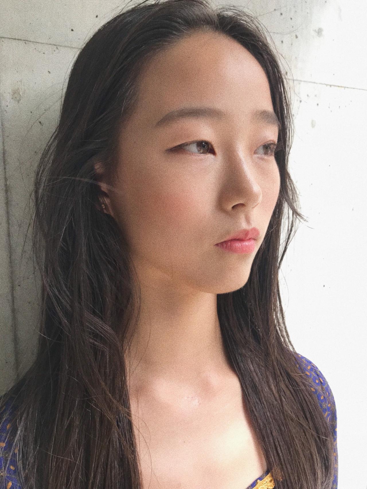 ナチュラル 透明感 モード オフィス ヘアスタイルや髪型の写真・画像