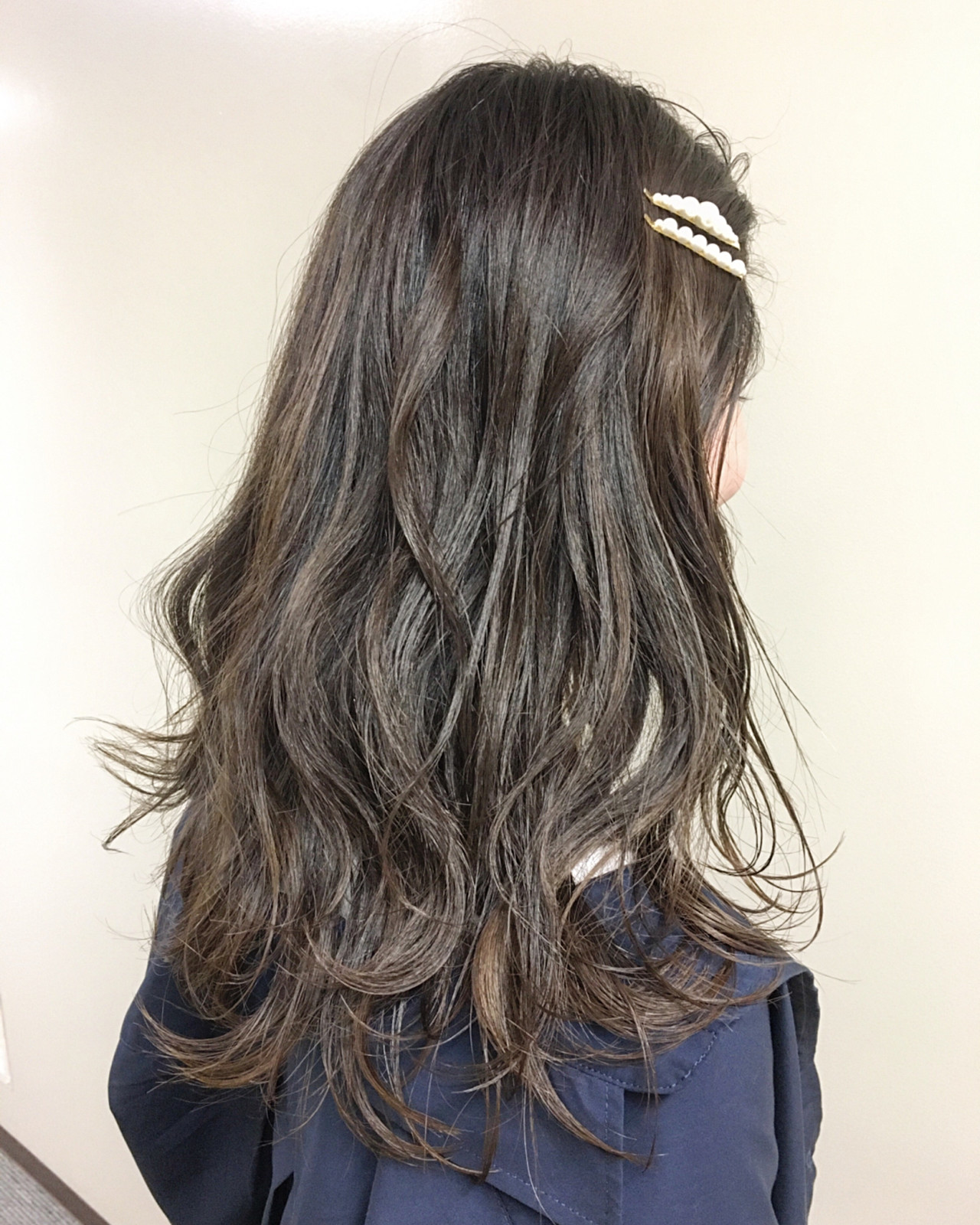 ガーリー ロング デート アッシュベージュ ヘアスタイルや髪型の写真・画像 | 福田直哉 / Dualcarebellus