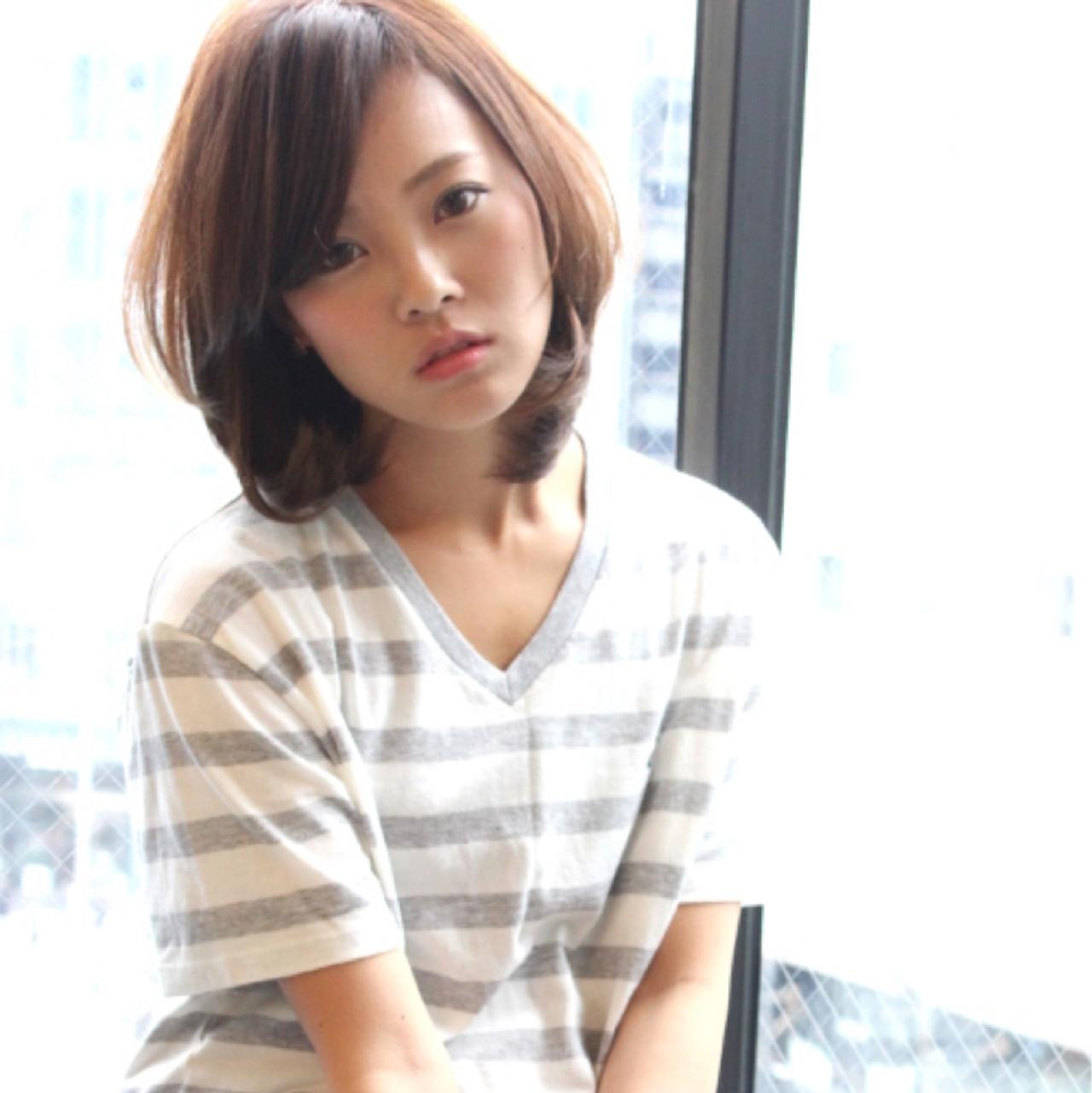 フェミニン ゆるふわ ナチュラル 暗髪 ヘアスタイルや髪型の写真・画像 | Masanori Yamasaki / Reuna(レウナ)