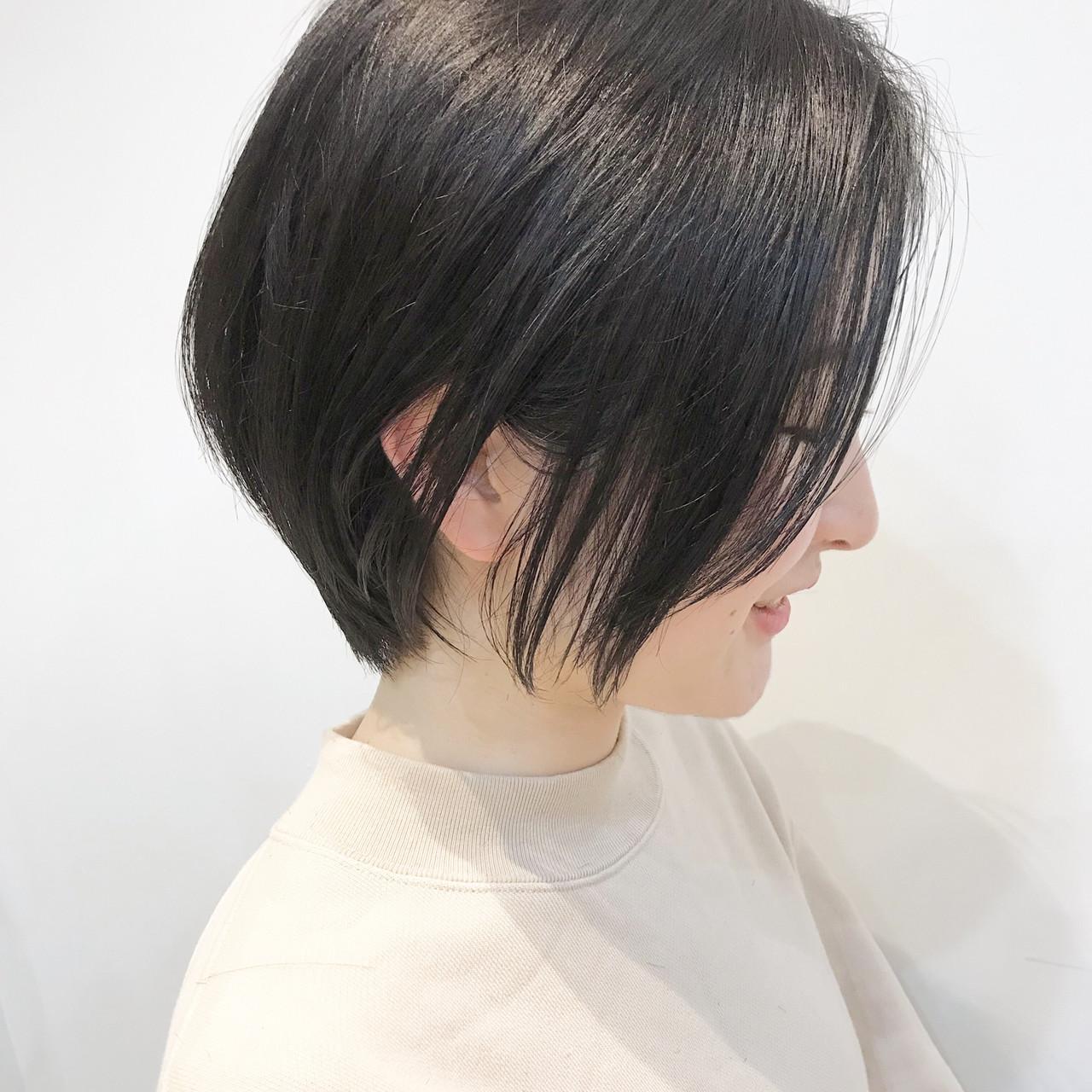 デート ショートバング オフィス ショート ヘアスタイルや髪型の写真・画像 | 大人可愛い【ショート・ボブが得意】つばさ / VIE