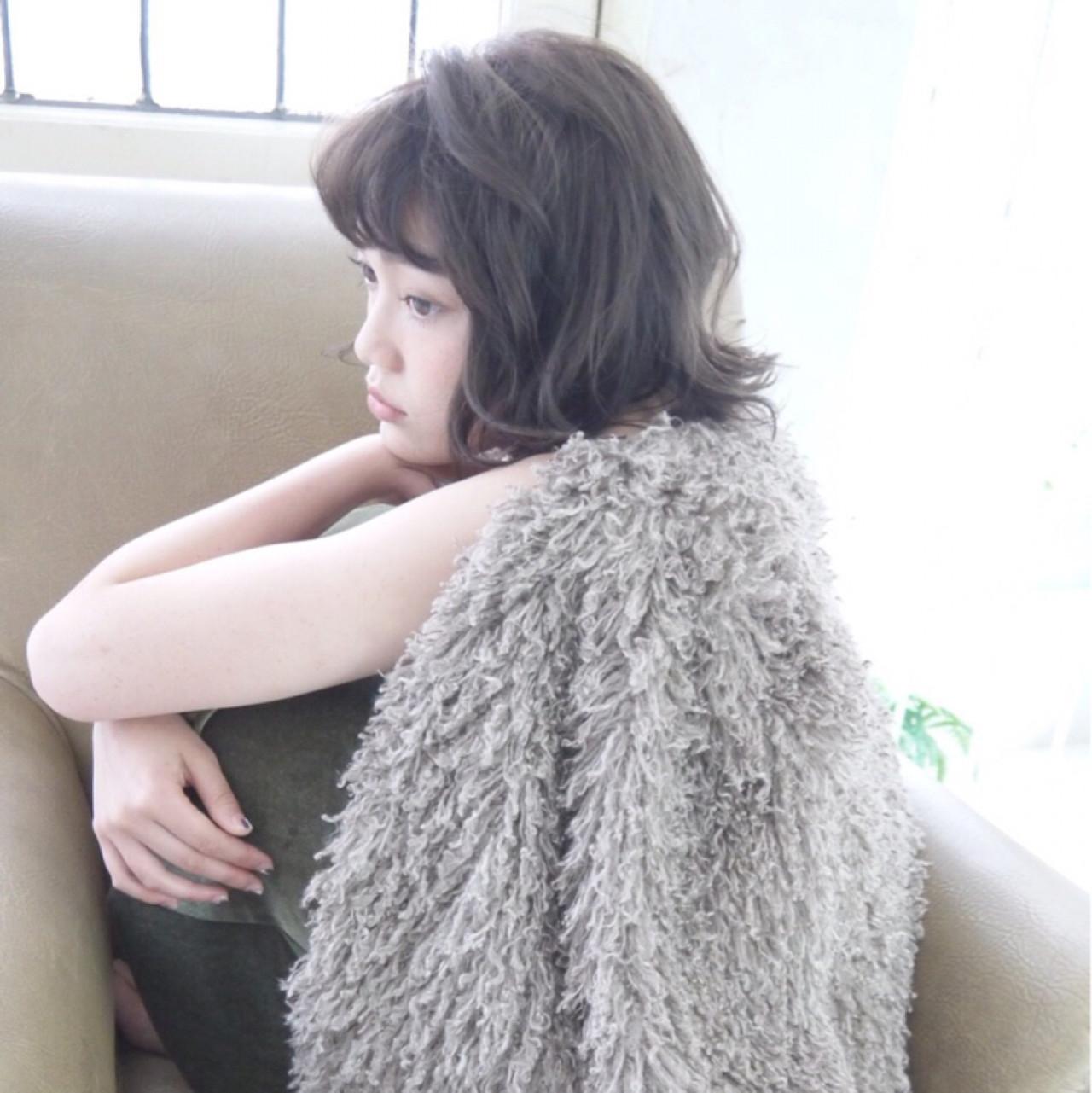ナチュラル 黒髪 暗髪 色気 ヘアスタイルや髪型の写真・画像 | airi ourasaka /