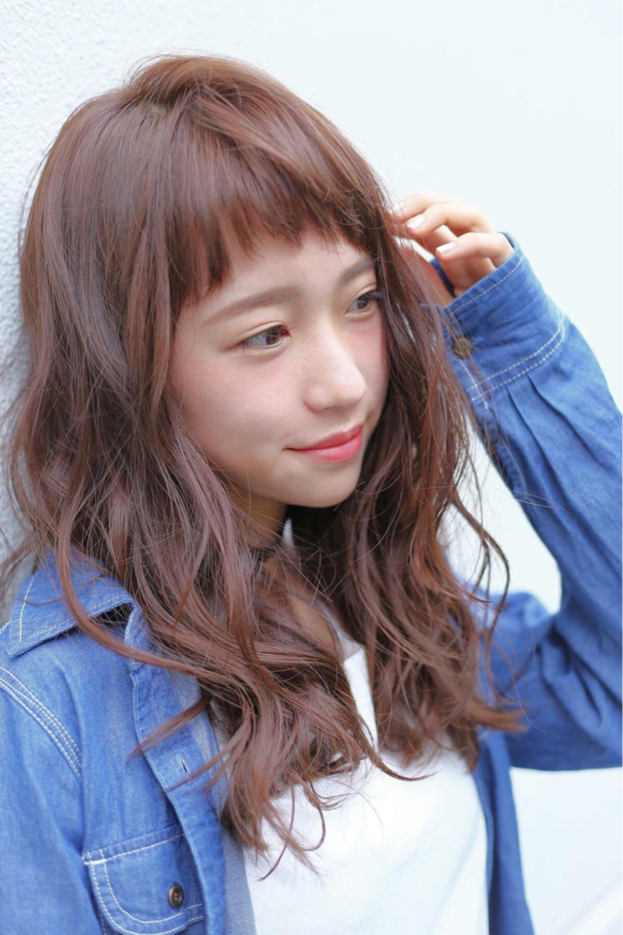フェミニン アッシュ くせ毛風 ナチュラル ヘアスタイルや髪型の写真・画像 | 渡辺 香子 /