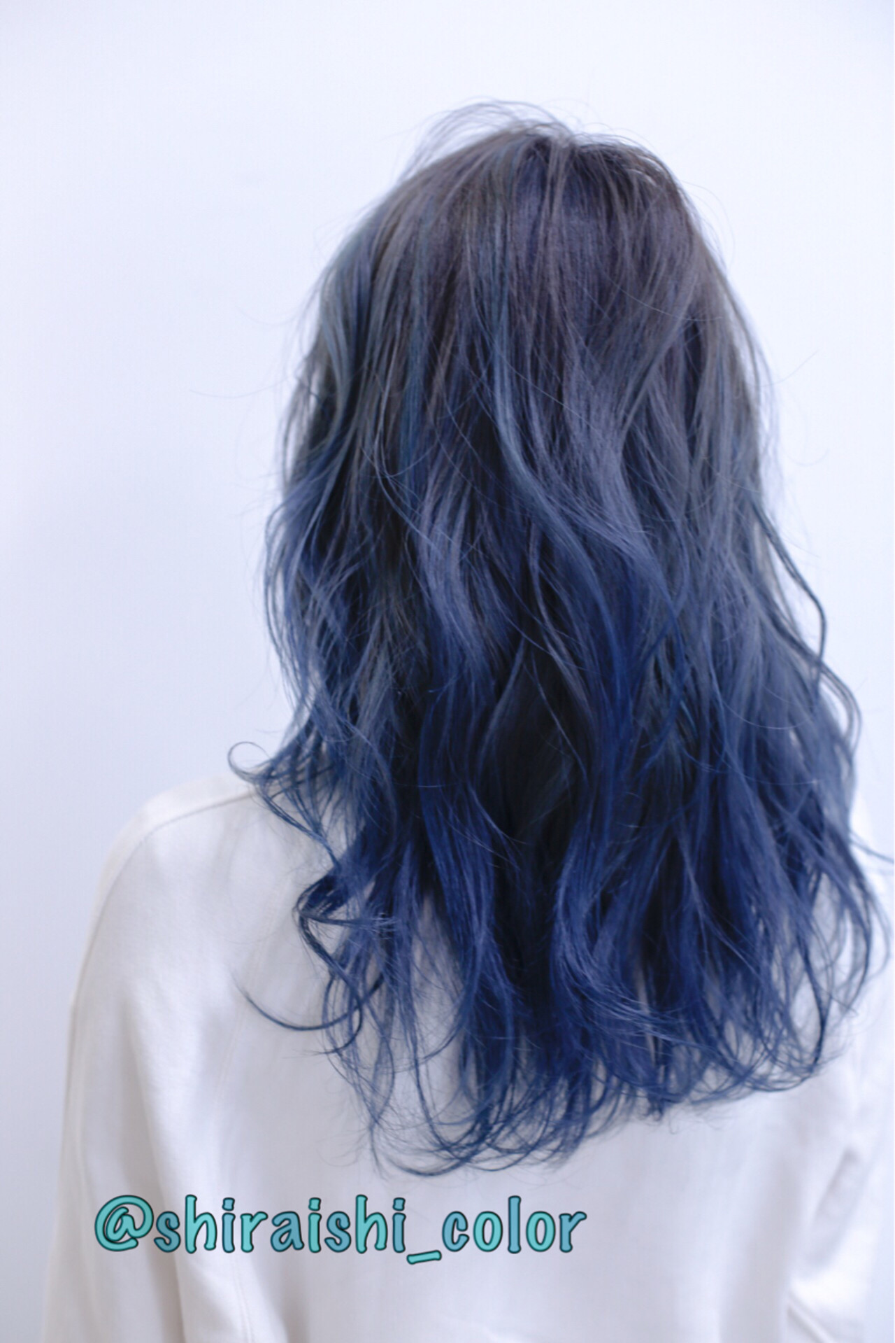 ダブルカラー ブリーチ ストリート セミロング ヘアスタイルや髪型の写真・画像 | 白石侑 / TWiGGY歩行町店