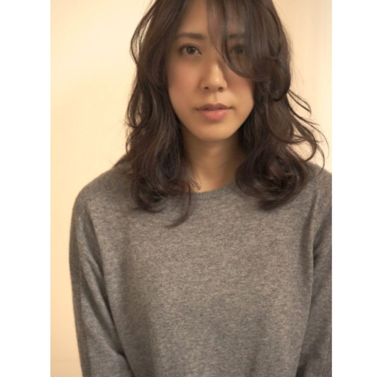 春 センターパート 外国人風カラー ロング ヘアスタイルや髪型の写真・画像