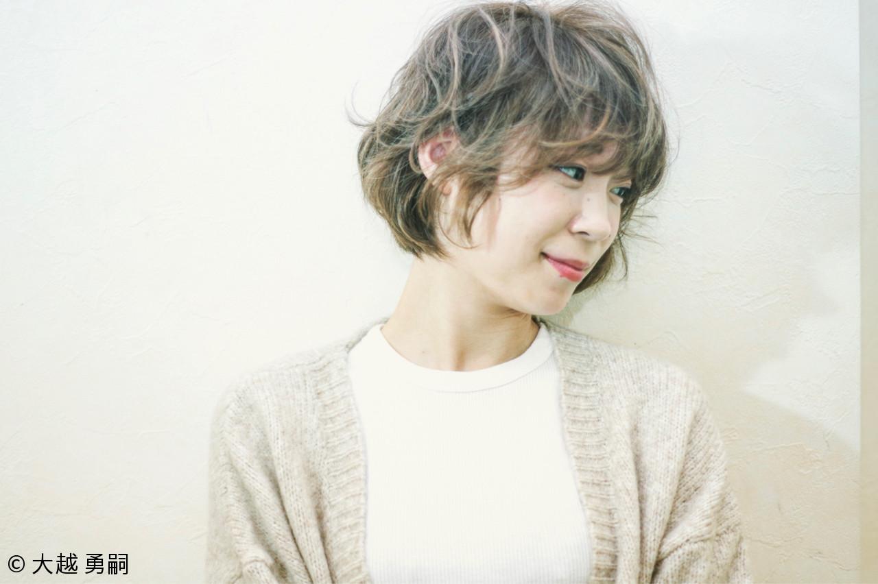 ショート ガーリー 外国人風 パーマ ヘアスタイルや髪型の写真・画像   大越 勇嗣 / VISAGE Oak