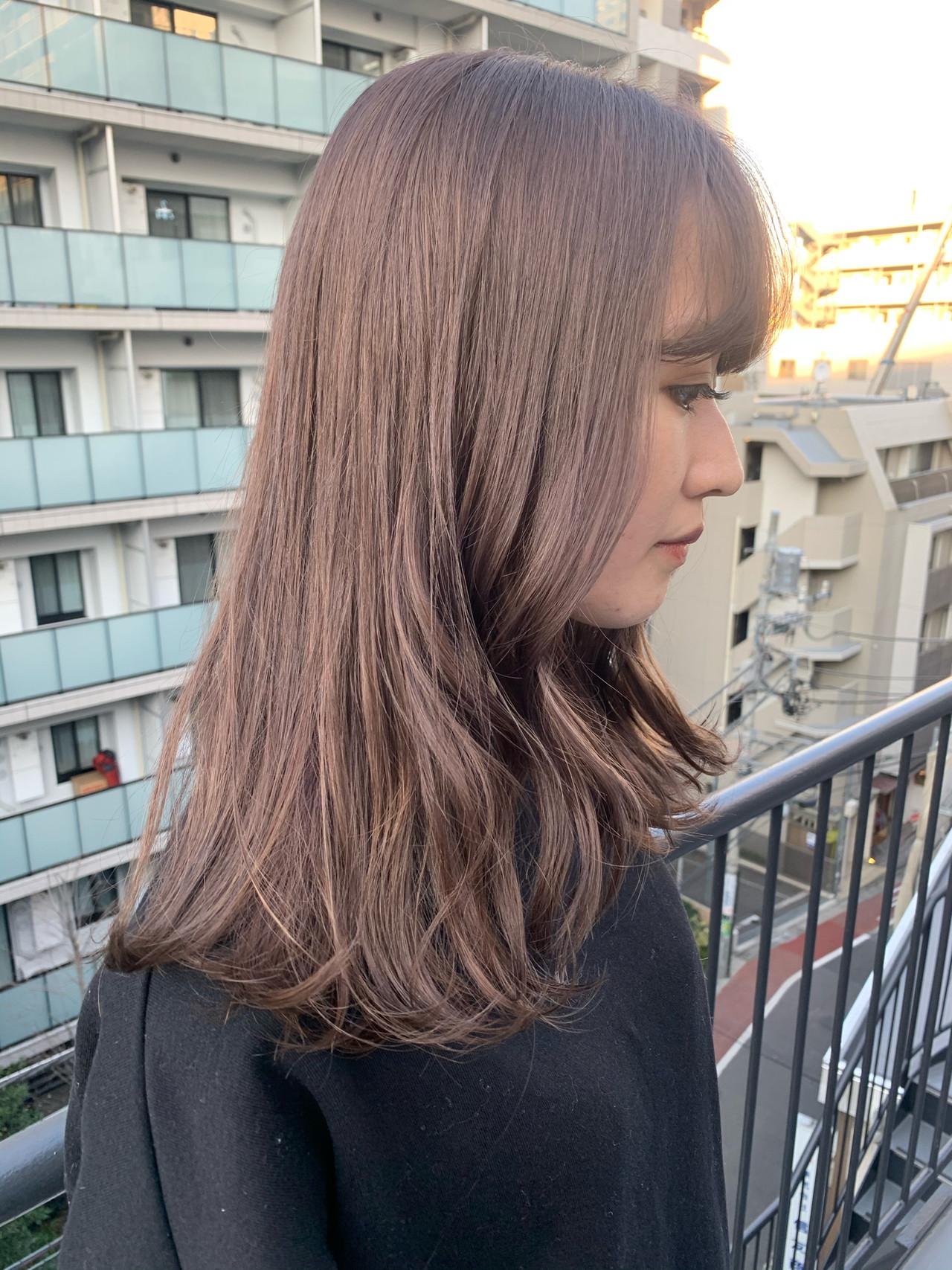 セミロング ナチュラル ミルクティーグレージュ ミルクティー ヘアスタイルや髪型の写真・画像   miya/@1031miya / フリーランス(XENA)
