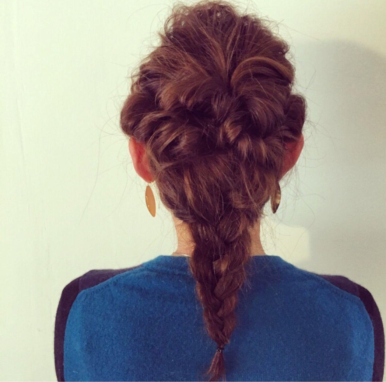 ミディアム くるりんぱ コンサバ 三つ編み ヘアスタイルや髪型の写真・画像