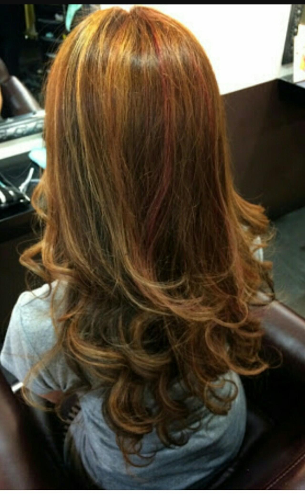 縮毛矯正+ハイライト&ローライト♪  縮毛矯正をかけながらふんわり可愛く仕上げちゃいます♪  ハイライトにはピンクも♡  スプリングカラー♪