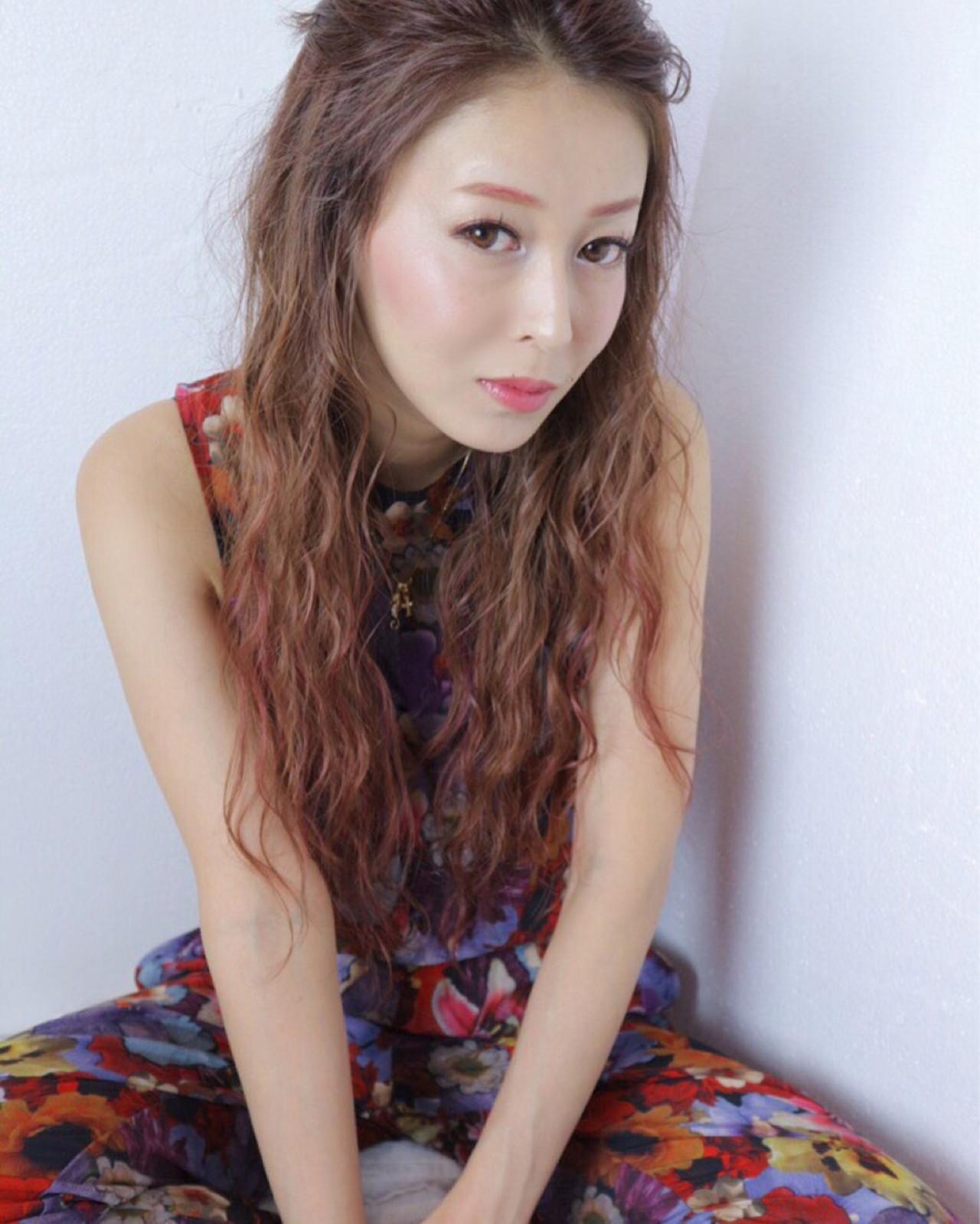 大人女子 ロング 外国人風 ピンク ヘアスタイルや髪型の写真・画像